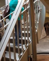Eiffelova věž - schody k výtahu