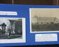 fotografie z historie školní budovy