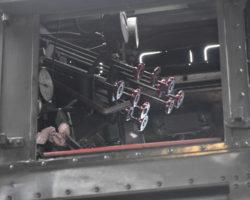 kabina-parní-lokomotivy-detail