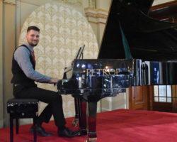 klavírní doprovod